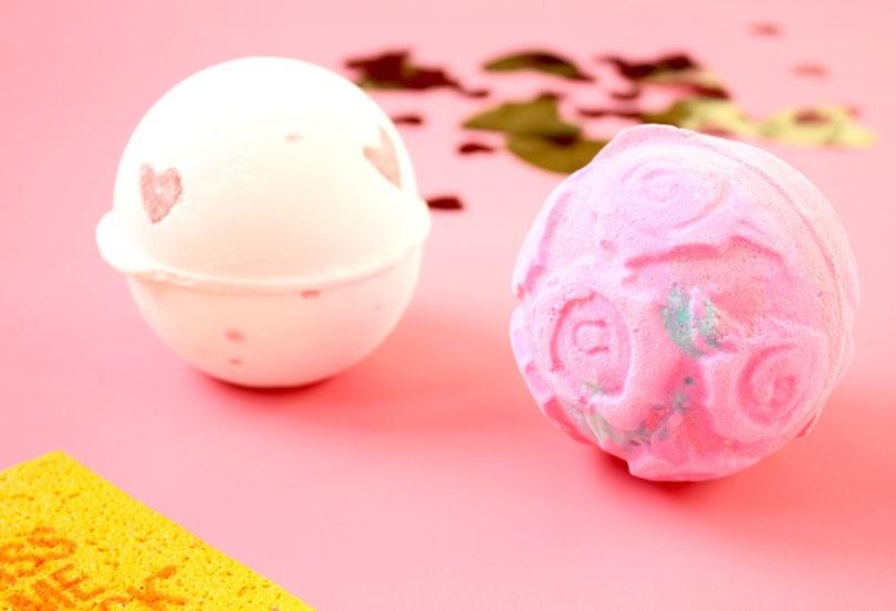 lush valentines day haul rose bombshell lover lamp bath bomb