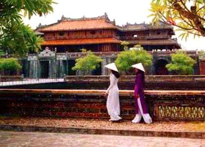 Chicas Vietnamitas. Ciudadela de Hue (Vietnam)