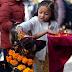 Η ΗΜΕΡΑ ΤΩΝ ΣΚΥΛΩΝ! Πώς τιμούν τους σκύλους στο Νεπάλ...