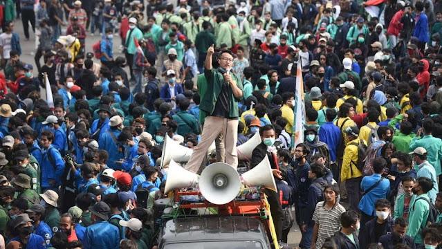 Demo Omnibus Law: UU Cipta Kerja Wajah Otoriter Jokowi-Ma'ruf