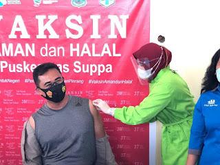 Kapolres Pinrang Bersama Anggota Ikuti Vaksinasi