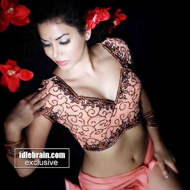 Shikhar Dhawan Wife Ayesha Mukherjee Images Set 12