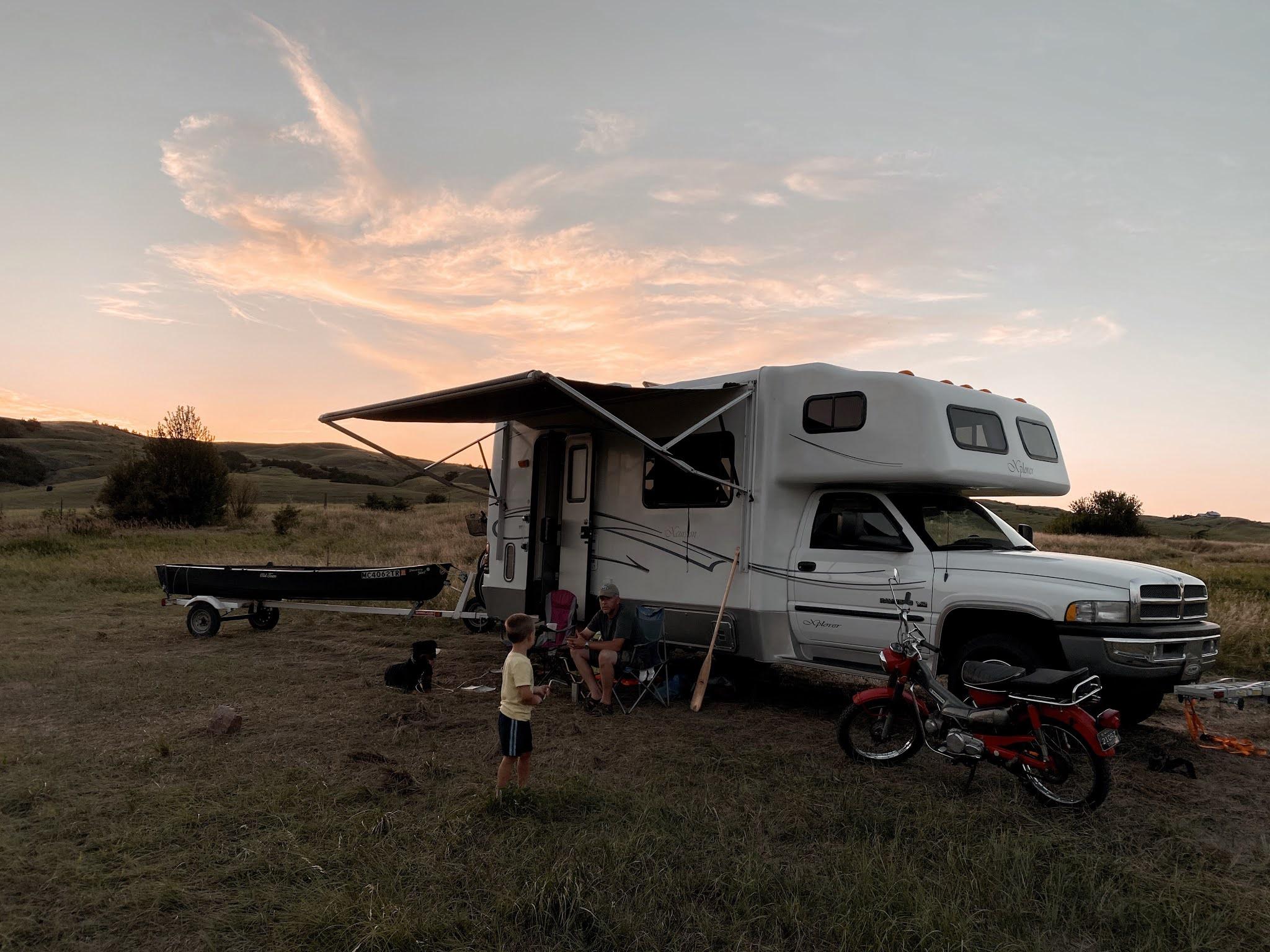 Campsite on the Missouri River, South Dakota| biblio-style.com