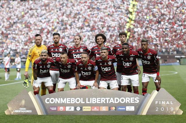 https://www.gazetaesportiva.com/campeonatos/libertadores-da-america/veja-as-fotos-de-flamengo-x-river-plate-na-decisao-da-libertadores/#foto=1