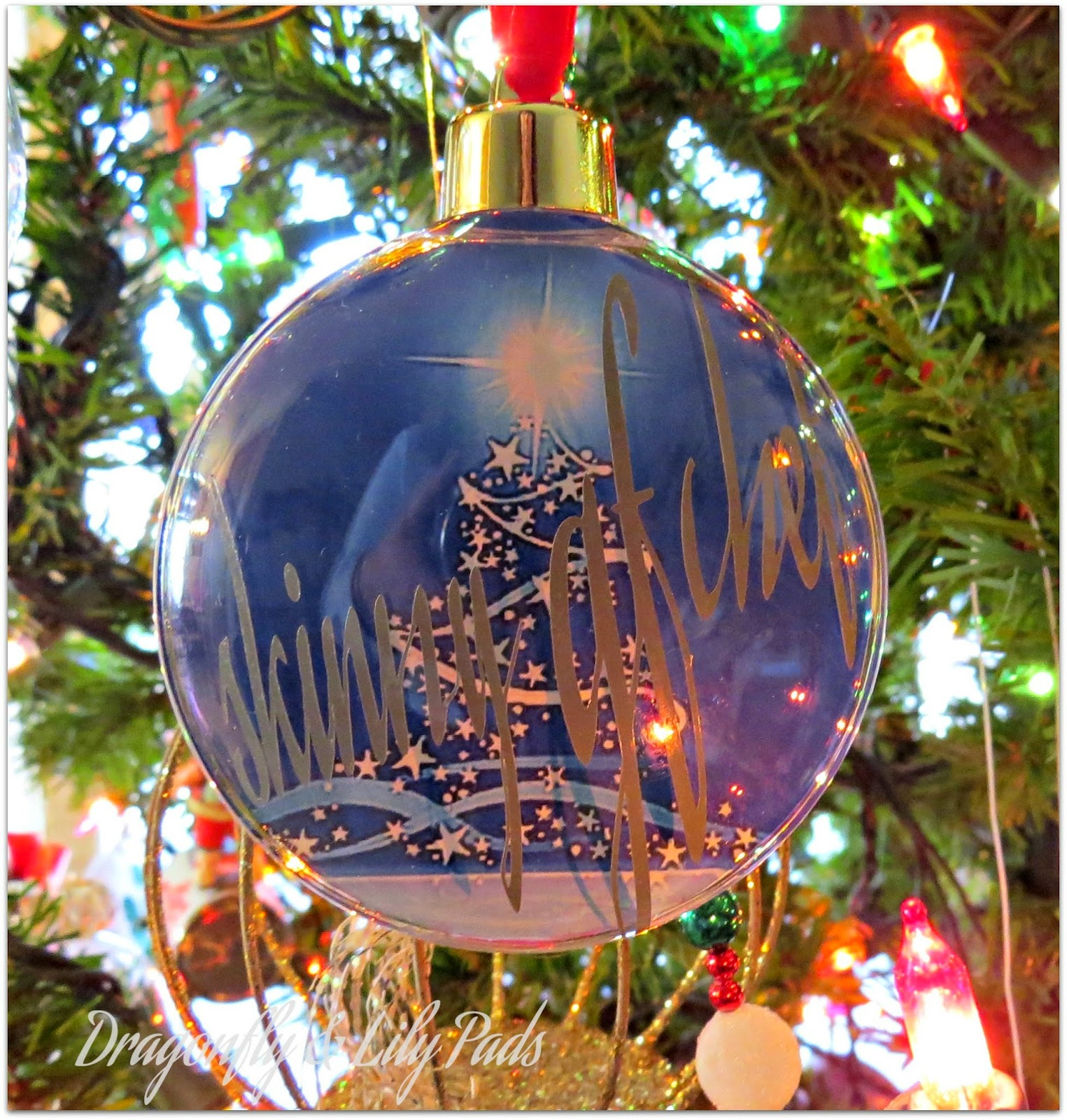 The finished pesonlized ornament with the Silhouette Cameo vinyl tutorial