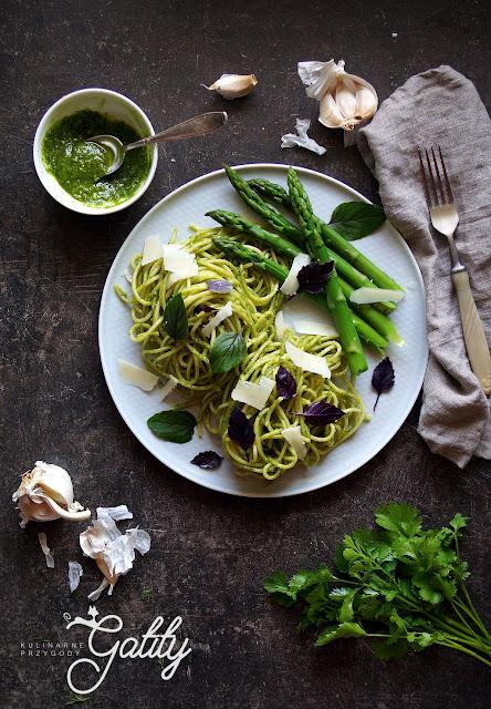 https://www.kulinarneprzygodygatity.pl/2019/05/zielone-spaghetti-ze-szparagami.html