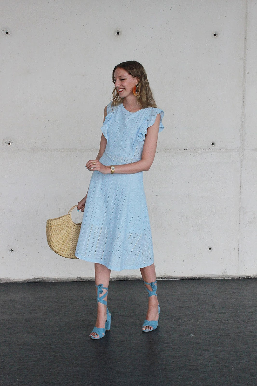 midi-dress-street-style-fashion-week-madrid-novashe-zara-straw-bag