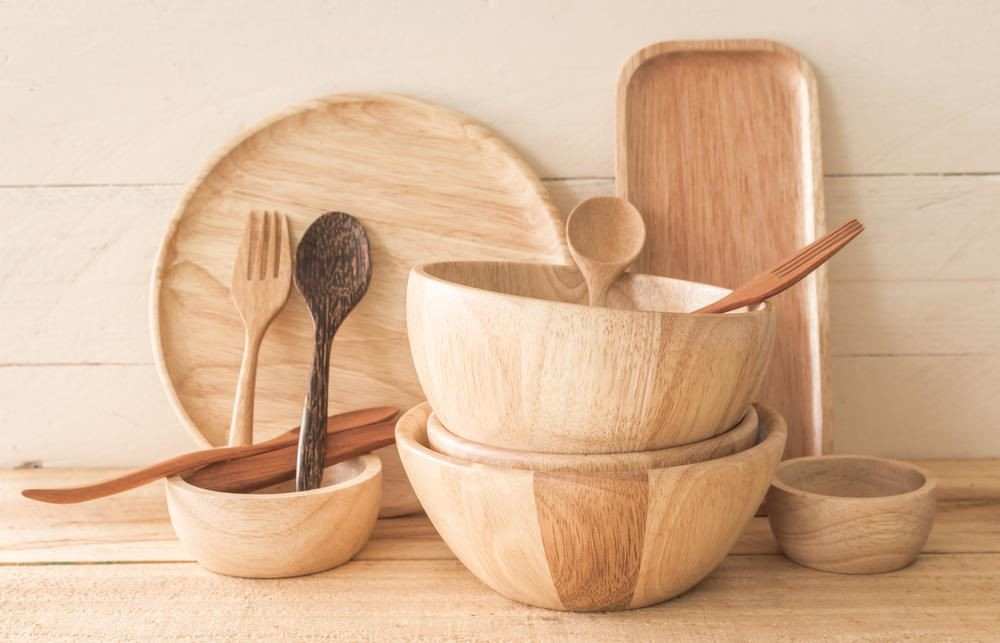 Making wooden dishes