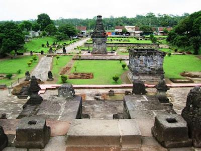 Candi Penataran - Kompleks Candi Termegah dan Terluas di Jawa Timur