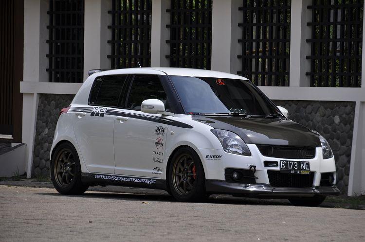 Japanese Custom Cars Suzuki Swift Street Racing Style