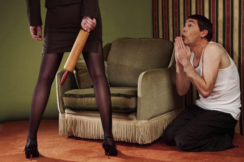 Женщины унижают мущин фото