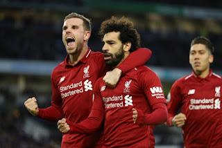 ليفربول يفوز على كريستال بالاس بثنائية ويتأهل لدوري الأبطال