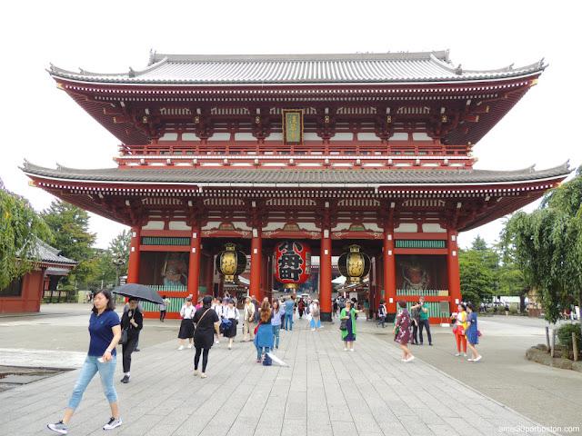 Puerta Hozomon en el Templo Sensoji, Tokio