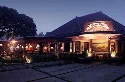 Kuliner Roemah Nenek Resto Cafe