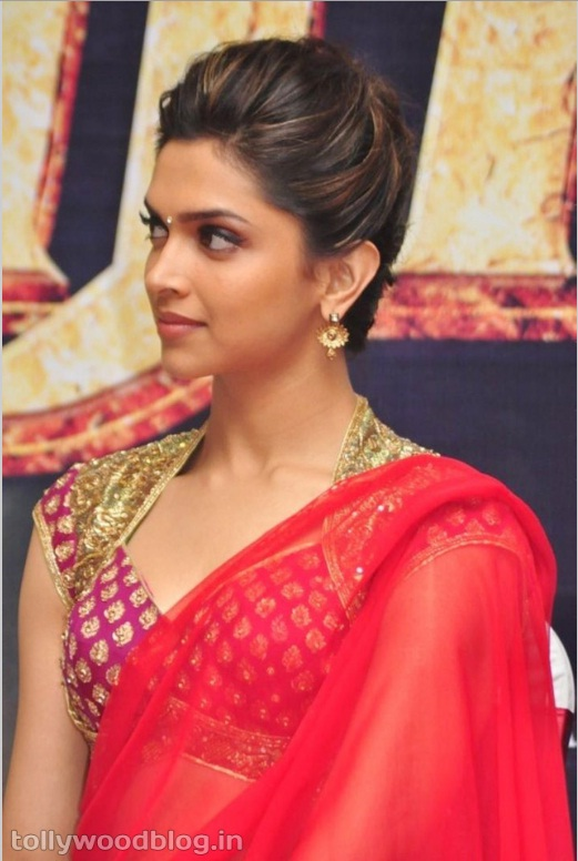 Bollywoodstarinfo Deepika Padukone In Hot Red Saree Pictures-5236