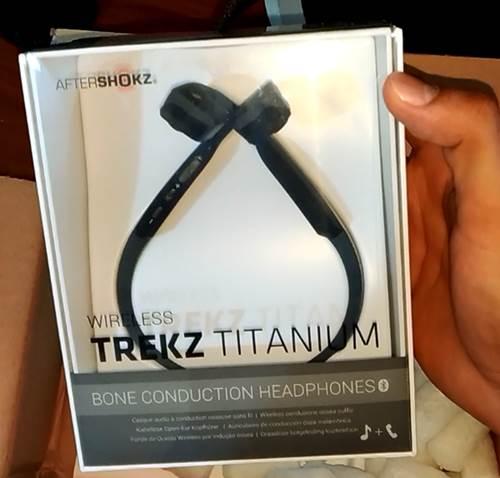 Auriculares Trekz Titatium de AfterShokz unboxing