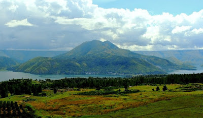 lake toba, raja batak, dolo pusk, pulau samosir, siraja batak