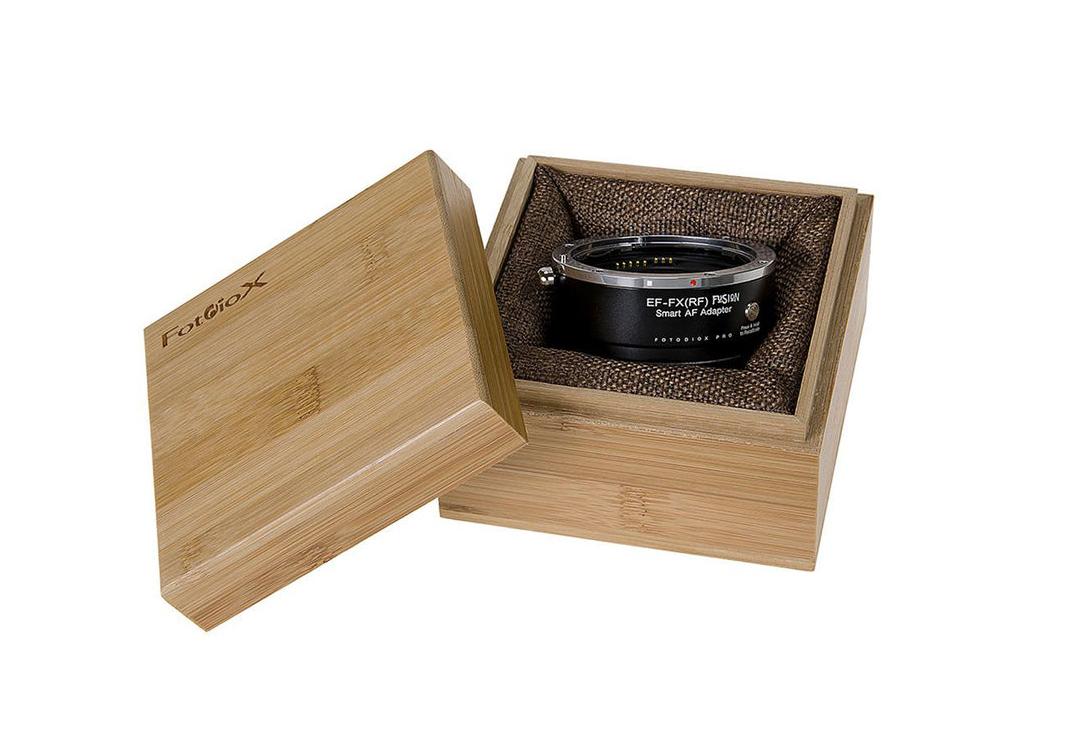 Адаптер Fotodiox Pro EF-FX(RF) Fusion Smart AF в деревянной коробке