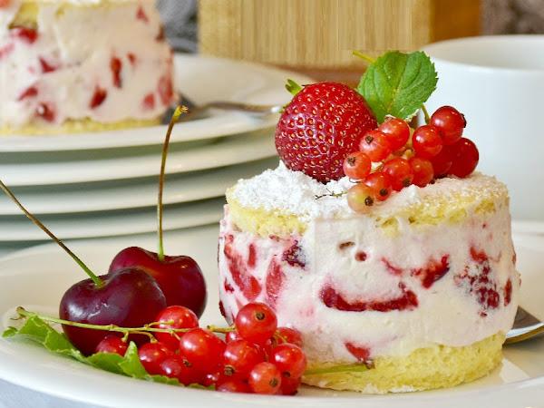 Cake Recipes: How to Bake with Fresh, Seasonal Ingredients