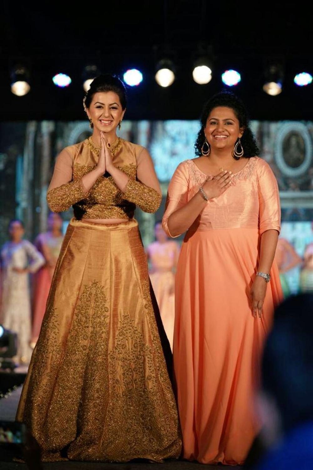 Nikki Galrani Walked The Ramp for Parvathy Chankramath