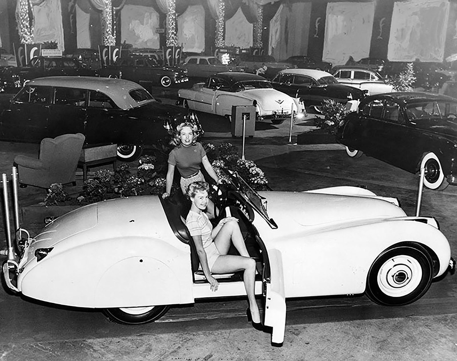 A New Jaguar On Display At The 1952 Los Angeles International Auto Show  Held At The Pan Pacific Auditorium