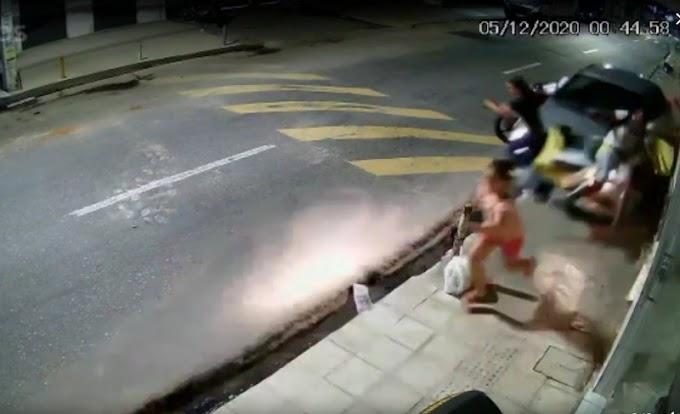 Carro desgovernado atropela duas pessoas, na Paraíba