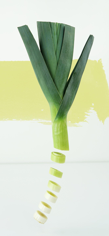 خلفية شرائح البصل الخضراء المقطعة