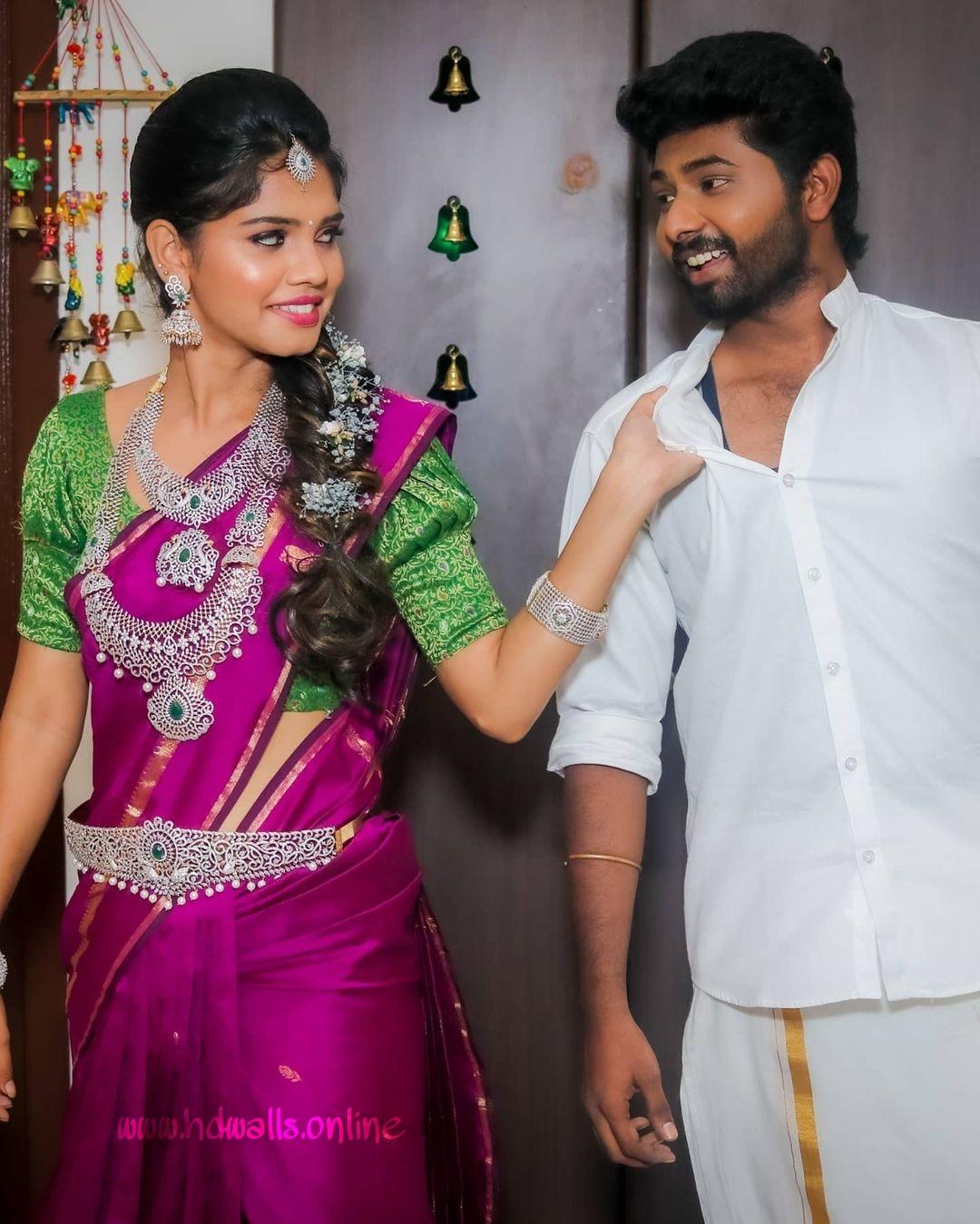 Pranikadhakshu and Kannan Couple Photoshoot Photos