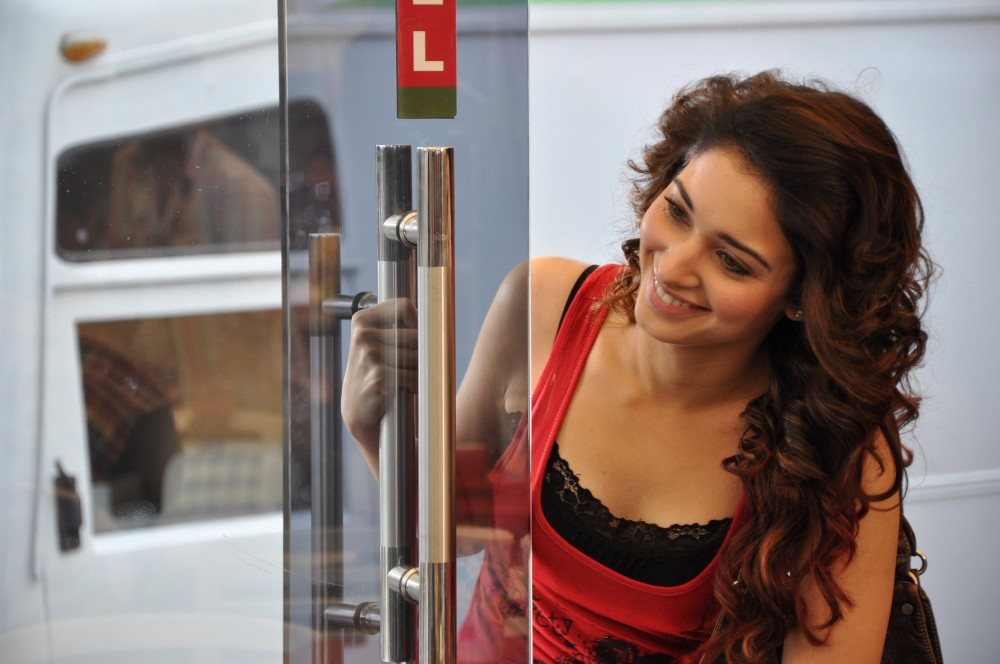 Tamanna gets raunchy for ad shoot