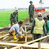 DAN SSK, Awasi Pemasangan Rangka Besi Cor Jembatan di Lokasi TMMD Kodim 1404/Pinrang