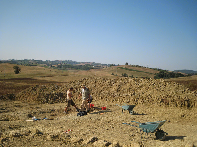 Archaeologists of the Roman Peasant Project in a dig near Cinigiano