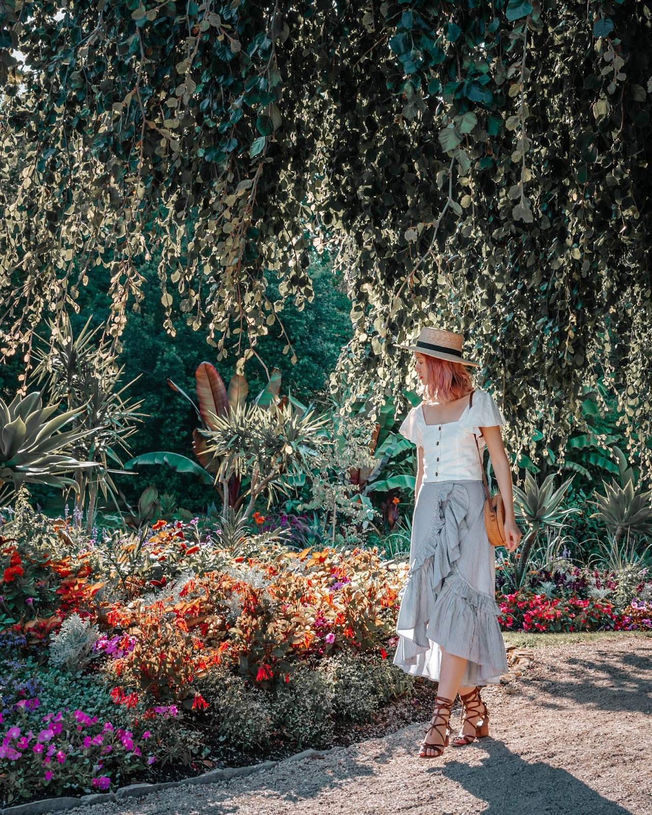 VanDusen Botanical Garden, Vancouver, boater hat, pink hair, rattan purse, wicker purse, style blogger, travel style, travel blogger, things to do in vancouver, summer lookbook, fall lookbook, fall trends, canadian blogger, canadian fashion, nordstrom, zara fall 2018, roju store, urban outfitters,