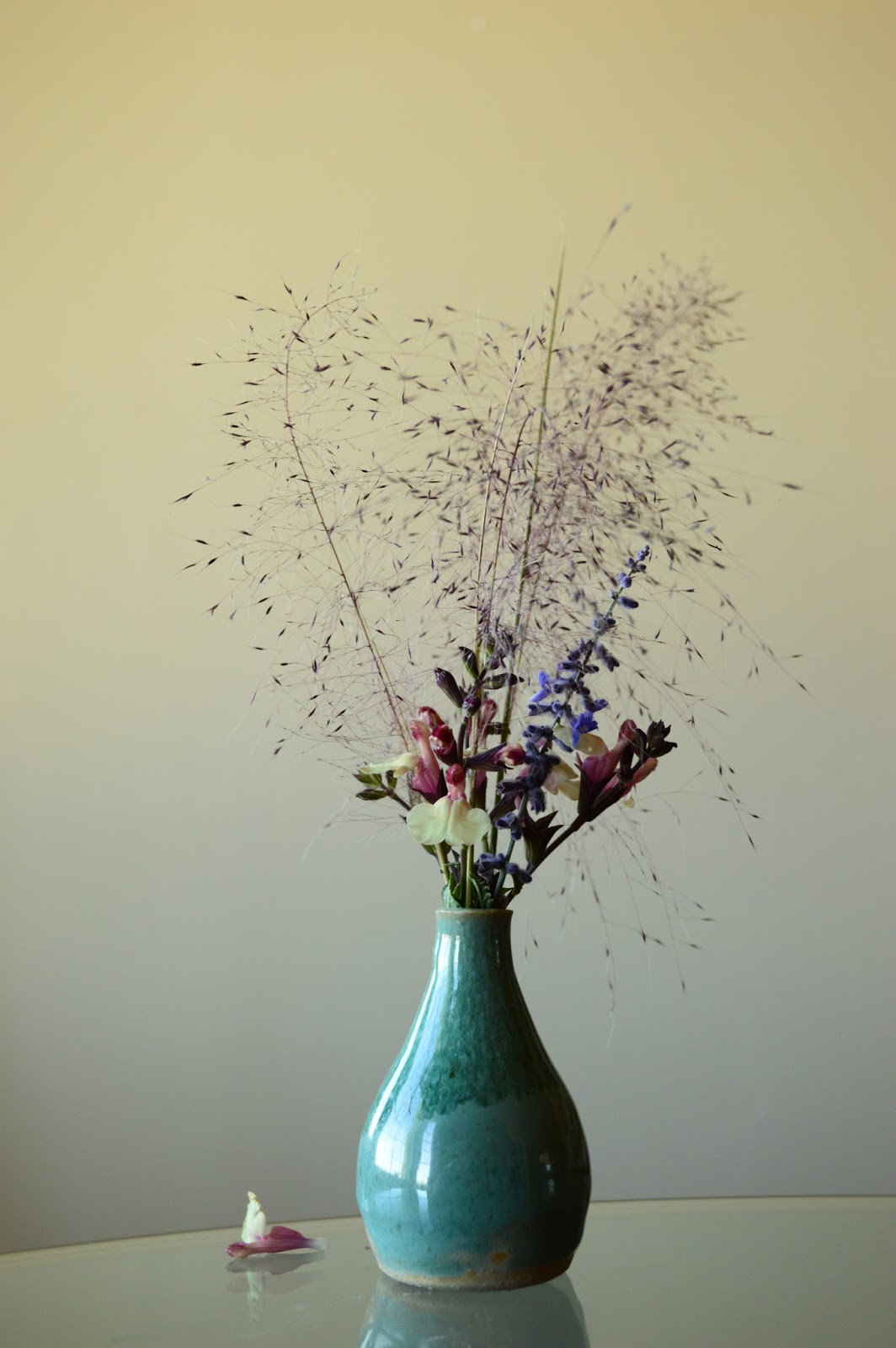 Monday vase, flower arrangement