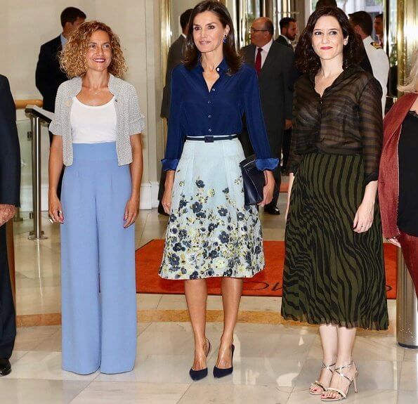 Queen Letizia wore Carolina Herrera flower party skirt, Carolina Herrera high-heel slingback pumps, blue diamond earrings