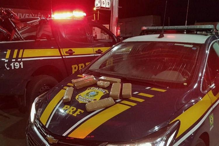 PRF persegue e prende homem com 5kg de maconha no Sertão da Paraíba