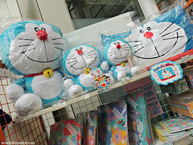 Muñecos de Doraemon en la Tienda de TV Asahi en Roppongi Hill