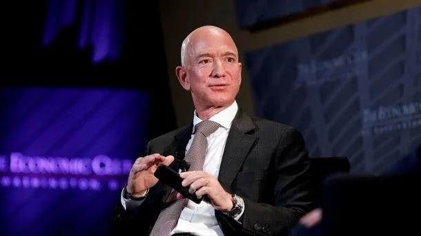 13 مليار دولار في 15 دقيقة.. بيزوس يصبح فاحش الثراء