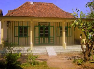 Belajar Sejarah di Trowulan