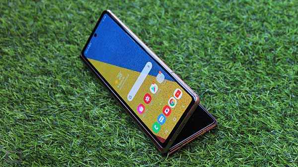 Samsung Galaxy Z Fold 3 may arrive with a smaller outer display