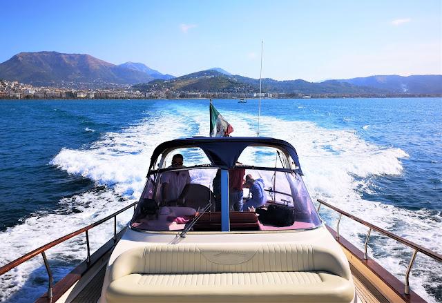 Il gozzo sorrentino della flotta della Blu Mediterraneo