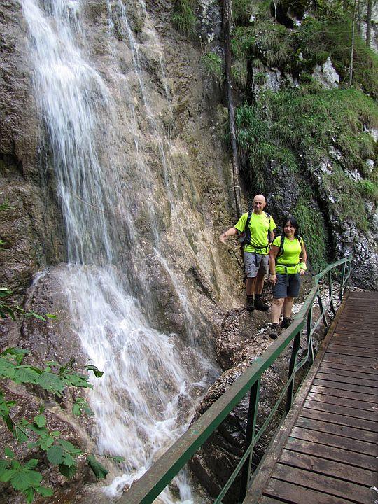 Wodospad Welonowy powyżej pierwszego mostku.