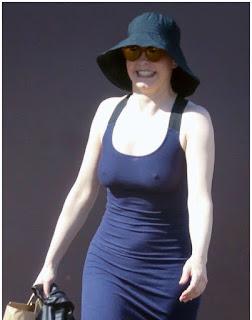 Rose-McGowan-Paparazzi-Pokies-Candids-Pics - linedomino