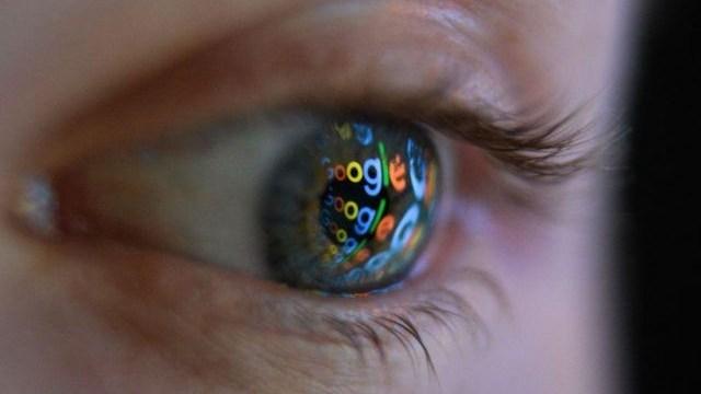 Facebook y Google te espían cuando ves porno.