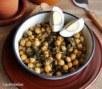 Garbanzos con espinacas y pimentón fácil y rápido