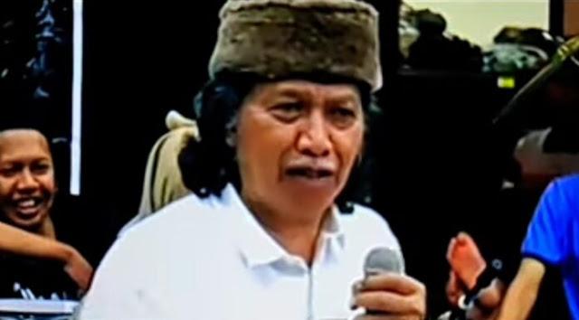 Ajak Rakyat Tak Benci Jokowi, Cak Nun: Dia Harusnya Dikasihani