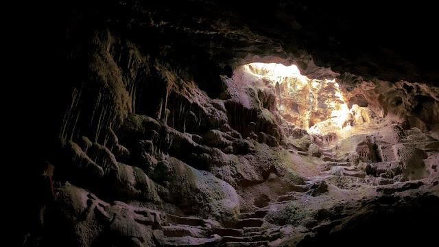 Το μοναδικό σπήλαιο με σκαλιστά αγάλματα στην Ελλάδα (βίντεο)