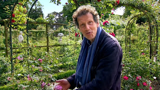 Monty Don's French Gardens -  ep.1