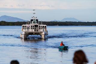 Catamarã com reservas para passeio Trincheiras/Baía dos Golfinhos no sábado 07/09