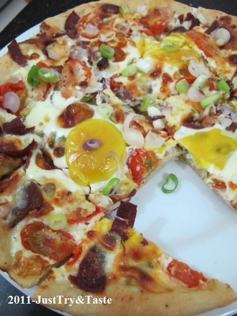 Obsesi Roti 11: Pizza Telur, Daging Asap, Tomat Cherry  & Keju