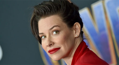 Coronavirus: 'Avengers' star Evangeline Lilly refuses to self isolation.  Photo from www.nme.com